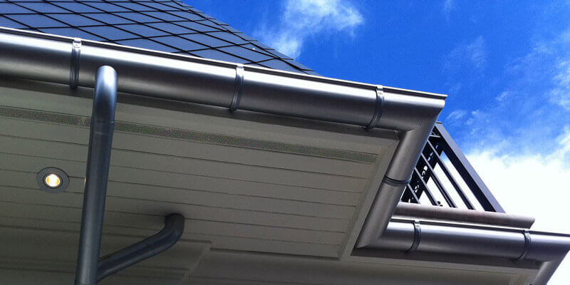 how much do gutters cost per foot installed?